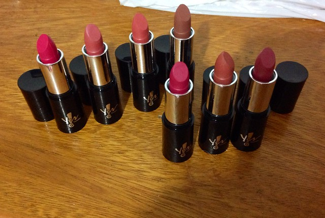 Batons Matte Yes Cosmetics: Swatches